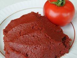kırmızı-domates-salcasi